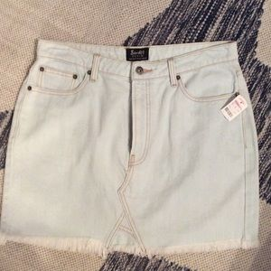 Bardot jean mini